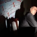 13.12.2004 Warszawa, Sejm. Roman Giertych podczas konferencji prasowej ujawnia treść raportu sejmowej komisji śledczej do spraw PKN Orlen .