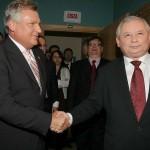 01.10.2007 Warszawa . Były Prezydent Aleksander Kwaśniewski po debacie telewizyjnej z Jarosławem Kaczyńskim .