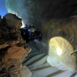 """Sardynia wrzesień 2009, Ewa w jaskini """" Grotta del Fico """" w okolicy miejscowości Cala Ganone."""