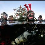 """29 grudnia 2008 od lewej: Grzegorz, Ola, Artur, Adam przed nurkowaniem na """"Maryjkę""""."""