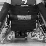Zawodnicy mają specjalne rękawice, które nie tylko ułatwiają im chwytanie piłki, ale też pomagają manewrować ich wózkami Fot. Wojciech Surdziel / Agencja Gazeta